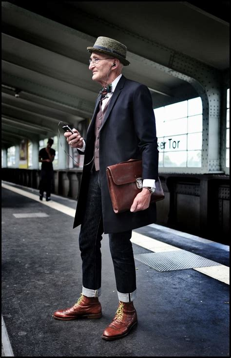 clothes for 40 uear ld men 25 best ideas about older mens fashion on pinterest