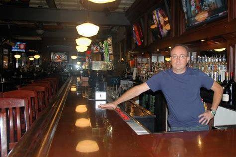 wise boxer pour house restaurateur praises downtown naperville tribunedigital chicagotribune