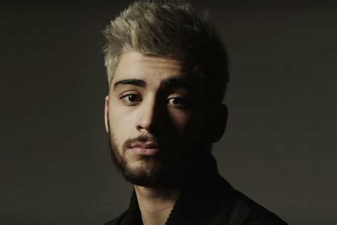 zayn s zayn debuts at no 1 on hot 100 something one direction
