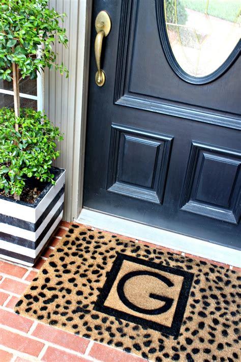 Monogrammed Front Door Mat by Diy Custom Monogrammed Door Mat Dimples And Tangles