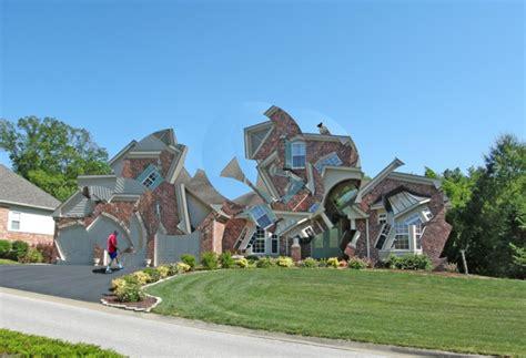 michael jantzen deconstructs suburbs with a mind