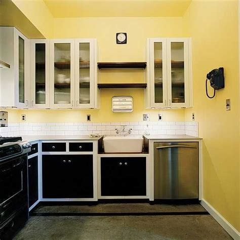 yellow kitchen walls yellow kitchen dark cabinets quicua com