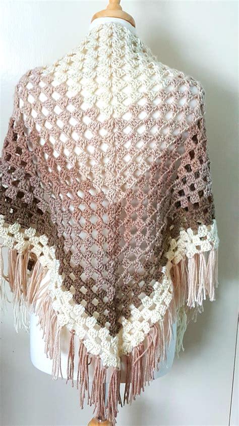crochet shawl crochet ombre shawl allfreecrochet