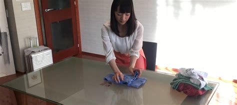 marie kondo blog marie kondo shows you how to fold and store a shirt