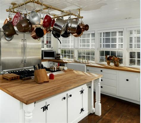 country kitchen east ct renee zellweger s connecticut house kitchen 2 hooked on