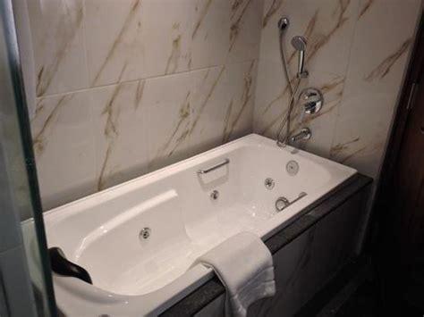 hotels with jacuzzi bathtub luxury room jacuzzi bathtub picture of earl s regency tennekumbura tripadvisor