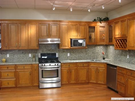 what paint color goes best with honey maple cabinets what color granite with honey maple cabinets savae org