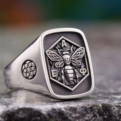 custom signet rings family crest rings coat  arms