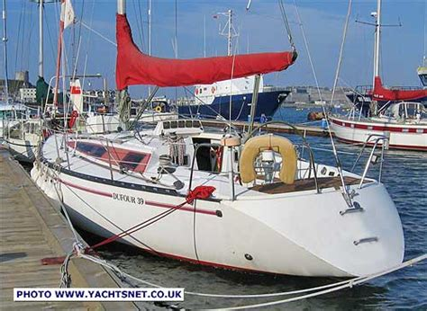 dufour  archive details yachtsnet   uk yacht brokers yacht brokerage  boat sales