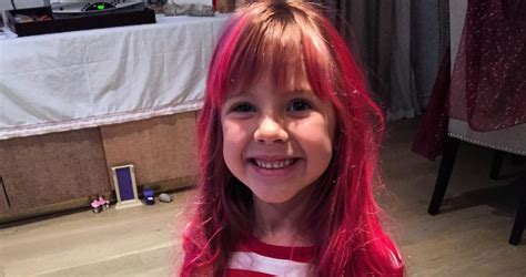 carey hart hair pink lets her daughter do this to her hair wins at parenting