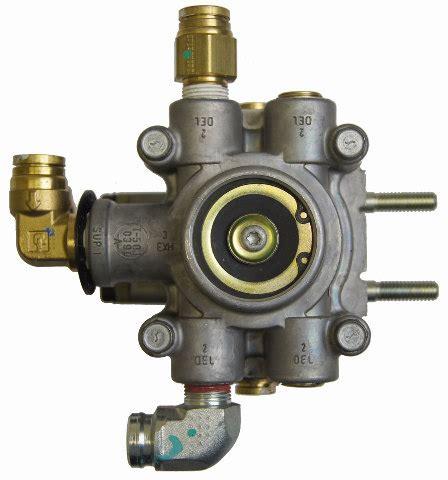 gmc topkick chevrolet kodiak  air brake valve bendix