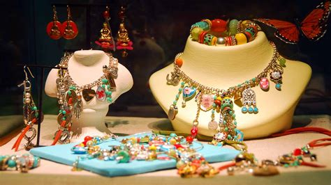 How To Sell Handmade Jewelry To Stores - 11 best ways to make money from home legitimate