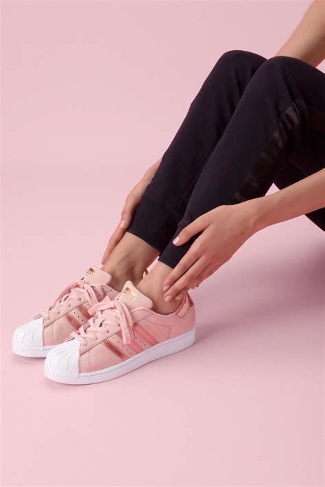Luxury Pink pink luxury aw lab si tinge di rosa fashion times