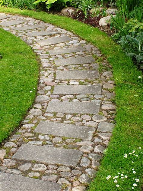 rock pathways 1000 ideas about stone walkways on pinterest walkways