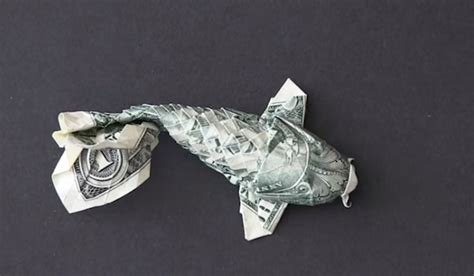Dollar Bill Origami Koi Fish - time lapse origami turns a dollar bill into a koi