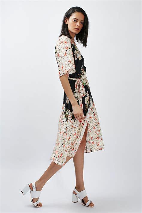 Floral Print Wrap Dress floral print belted wrap dress topshop