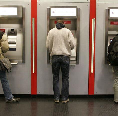 wie verdienen banken geld bargeld wie banken an geldautomaten abzocken welt