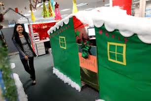 epic christmas cubicles shoplet