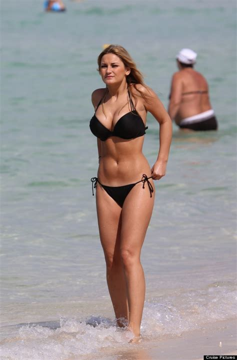 sam faiers shows off her body on beach holiday to