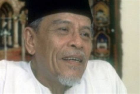 biography buya hamka in english fakta unik buya hamka sang ayah dan universitas al azhar