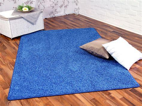teppiche blau hochflor shaggy teppich prestige blau in 24 gr 246 223 en