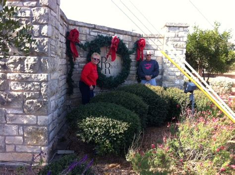 neighborhood entrance christmas decorations 404 not found
