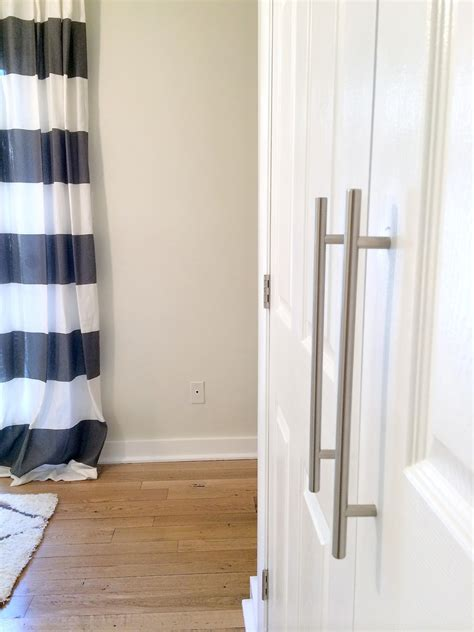 Diy Closet Door Update How To Update Your Old Bi Fold Closet Door Pulls Hardware