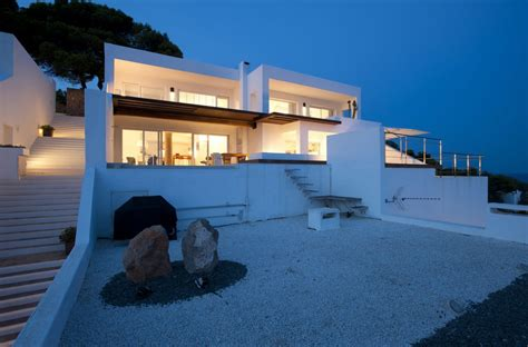 modern coastal house seaside oceanside world of architecture mediterranean modern home