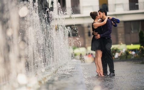 wallpaper en couple kissing couple wallpapers pictures images