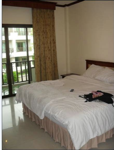 how much to tip room service hotel how much money do you tip in thailand
