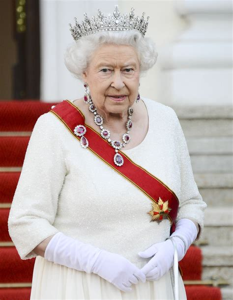 the queen of the cele bitchy queen elizabeth brought her amazing rubies to germany fab or frumpy