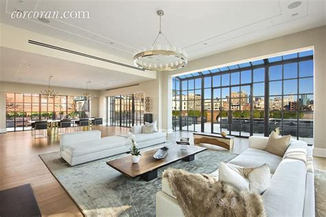moderne wohnzimmer wände puck building s most expensive penthouse returns to the