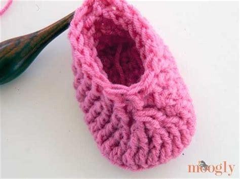 zaptitos a crochet para bebe paso a paso youtube zapatitos de bebe tejidos a crochet paso a paso moldes