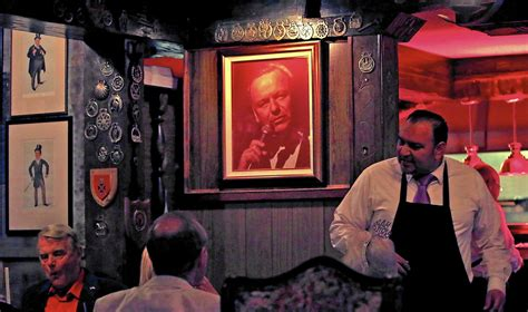 Palm Springs Following In Frank Sinatra S Footsteps | follow in frank sinatra s footsteps as palm springs toasts