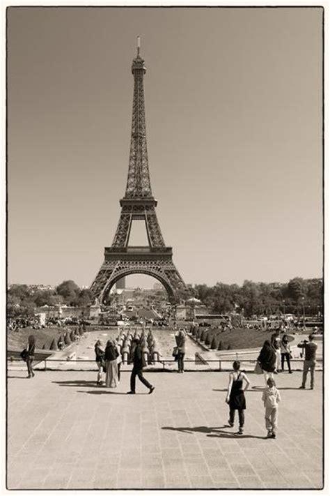 trocadero und eiffelturm in schwarzweiss paris