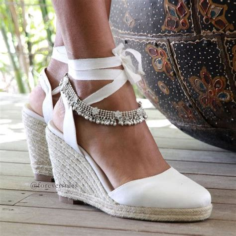Wedge Sandals For Wedding by Best 25 Bridal Wedges Ideas On Outdoor