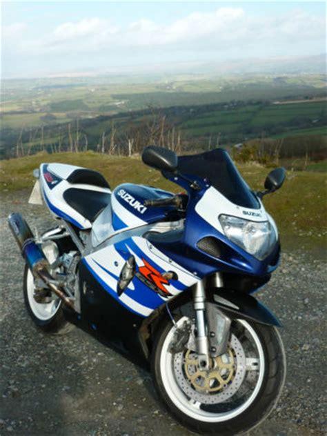 Suzuki Gsxr 750 K2 Suzuki Gsxr 750 K2 Blue White 2002 Titanium Exhaust