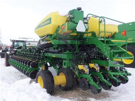 Deere Db60 Planter by Pin By The Silver Spade On Deere Equipment