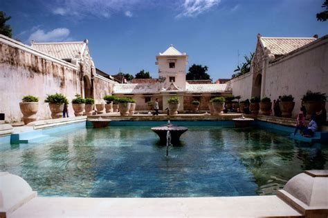 nama keraton istana raja di indonesia negeri pesona pesona keindahan istana air taman sari yogyakarta lihat