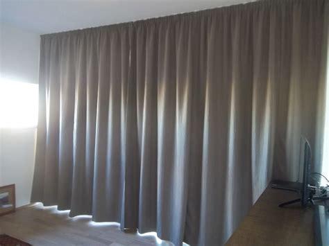 vorhange aufhangen abstand zur decke gardinen befestigen decke pauwnieuws