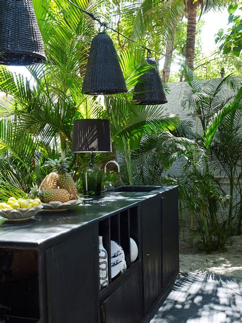Outdoor Tropical Decor by Best 25 Tropical Outdoor String Lights Ideas On