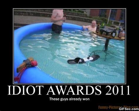 Funny Memes About Idiots - idiot awards 2011 viral viral videos