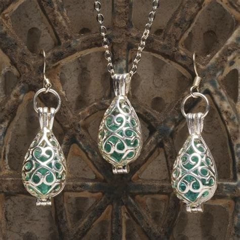 how to make recycled jewelry diy recycled glass jewelry diy craft projects