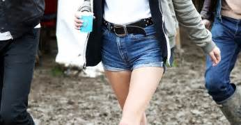 how to get mud out of clothing whowhatwear