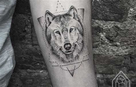white wolf tattoo design 40 amazing wolf designs and ideas tattoobloq