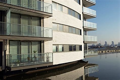 thames river apartments a088 05334 waterside apartments by thames river east b