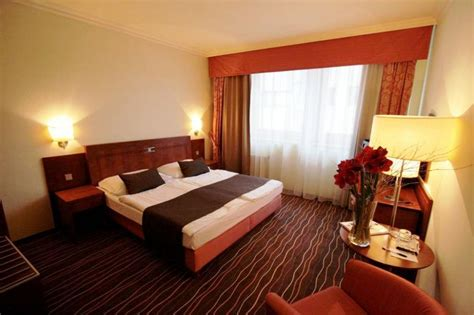 best western bila labut prague luxury family hotel b 237 l 225 labut prague reserving