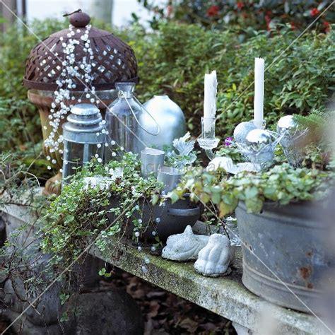 Weihnachtsdeko Garten by Weihnachtsdeko Im Garten Kerzen Laternen Und Perlenkette