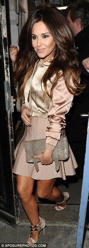 Chesyl Line Casual Sandals cheryl cole looks svelte in pink skater dress and matching