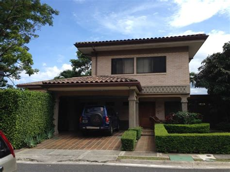3b 2 5b single family home in gated community in santa
